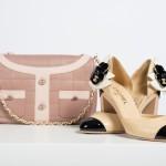 Handtasche Chanel, Paris 2000, Schuhe Paris 2003© Sammlung Monika Gottlieb