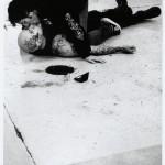 I Apologize (création 2004) Conception : © DACM / Gisèle Vienne Interprètes sur la photographie : Jonathan Capdevielle et Jean-Luc Verna Photographe : © Mathilde Darel